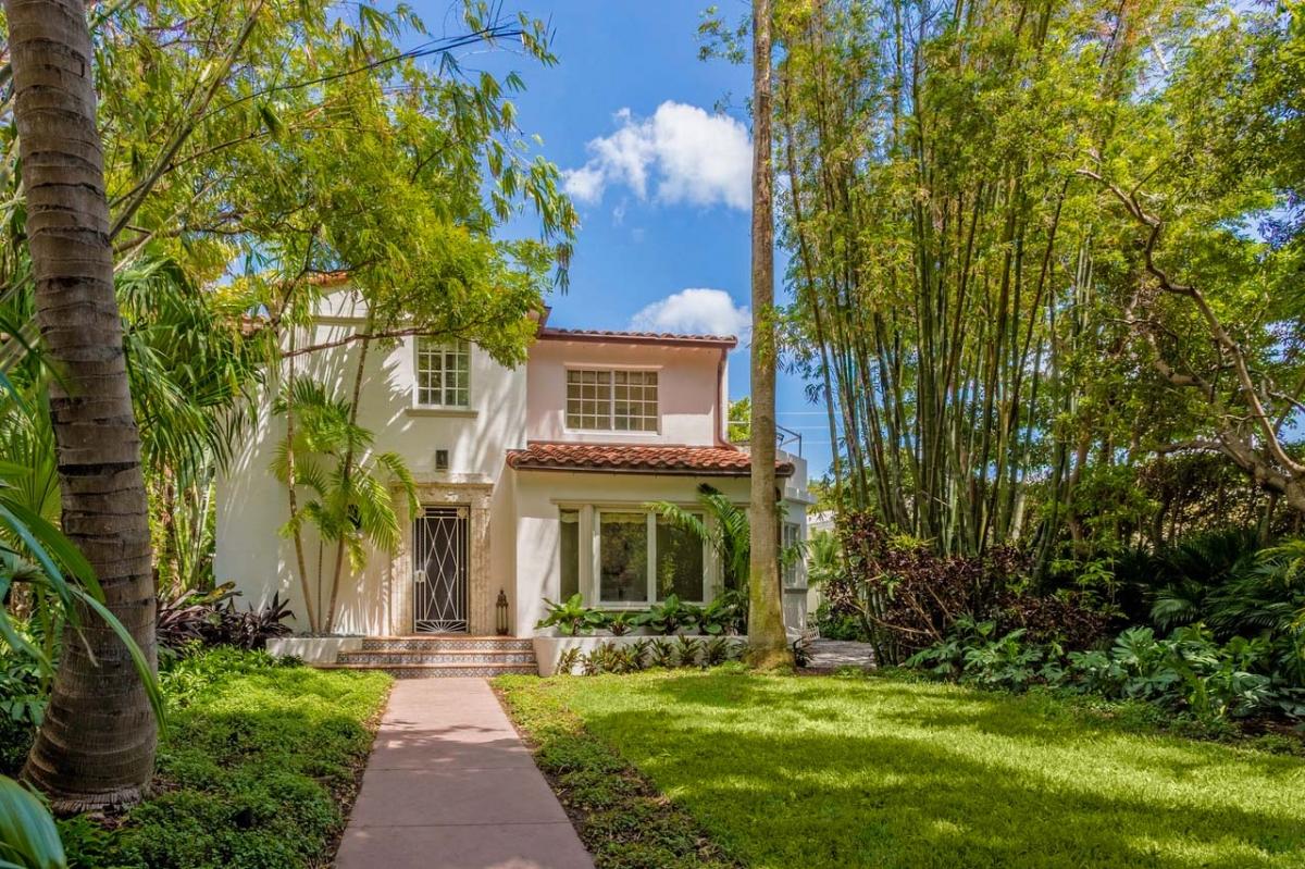 art deco villa in south beach miami sold for 2 15m